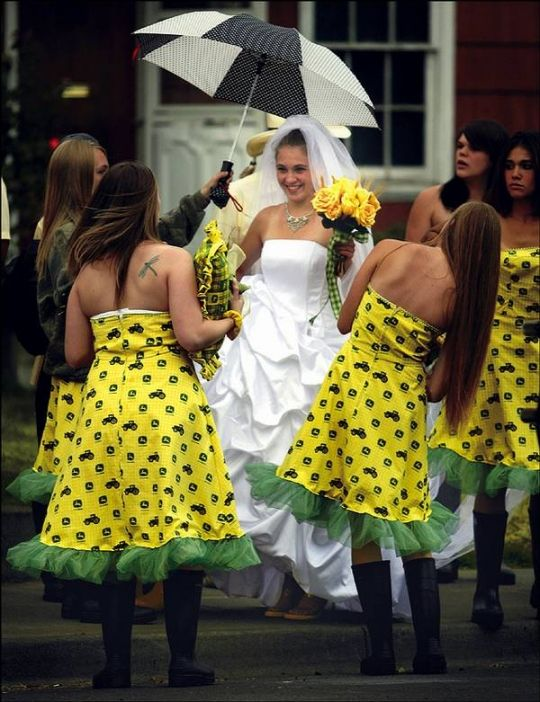 at first I thought they were sunflower dresses, but I know better....these peeps are crazy!