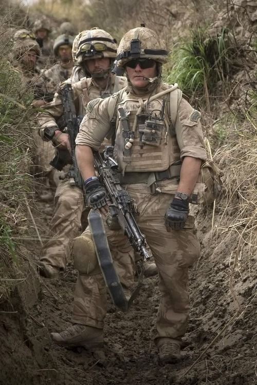 "Another person pinned as ""American Soldiers"". Someone commented he thought it was British Commandos.Could be, I don't know but it is neat photo."
