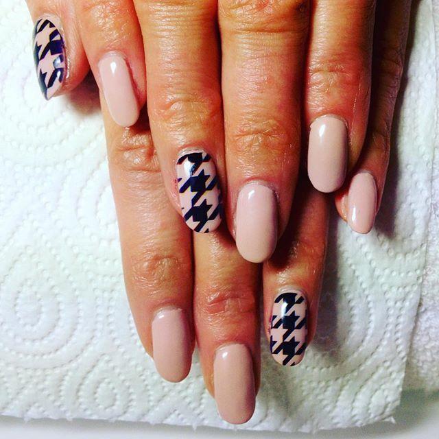 Drukowanie wzorów na paznokciach  #manicure #nailo #nails #print #hybryda #manicurehybrydowy #drukowanie #piekne #paznokcie