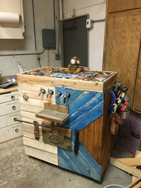 #Beer, #PalletBar, #PartyDecor, #RecyclingWoodPallets The Ultimate Man-Cave accessory: a Pallet Navy Diver Kegerator! This project used a yard sale chestfreezer and some pallets I found. This kegerator is capable of holding four kegs and a CO2 tank. A little bit about this Pallet Navy Diver K