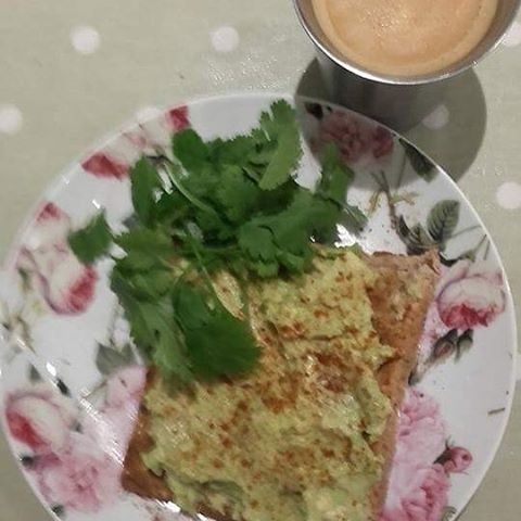 Mashed #avocado with #smokedpaprika and #coriander #cilantro on #wholemeal #toast #healthyfats #nespresso #blackcoffee @nespresso @weightwatchers 6SP #smartpoints #weightwatchersireland #wwireland #weightwatchers