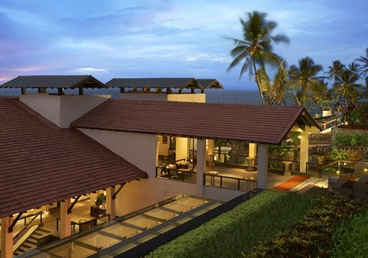 5 Best Luxury Hotels in Kerala - The serenity, tranquility, and beautiful backwaters make Kerala a perfect destination for honeymoon. Thus, to instill the element of luxury in the trip, there are numerous luxury hotels in Kerala, praised for excellent facilities and services. Here is a rundown of top 5 best luxury hotels in Kerala.