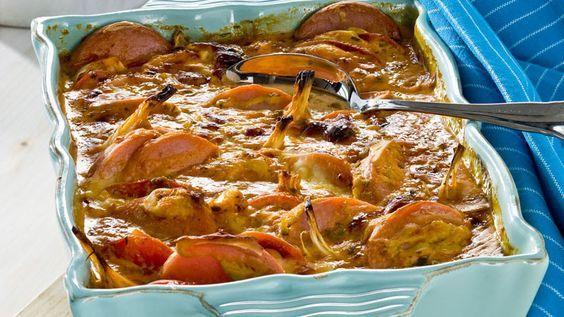 Läcker falukorv i ugn tillsammans med härliga smaker av tomat, senap, chili och lök.