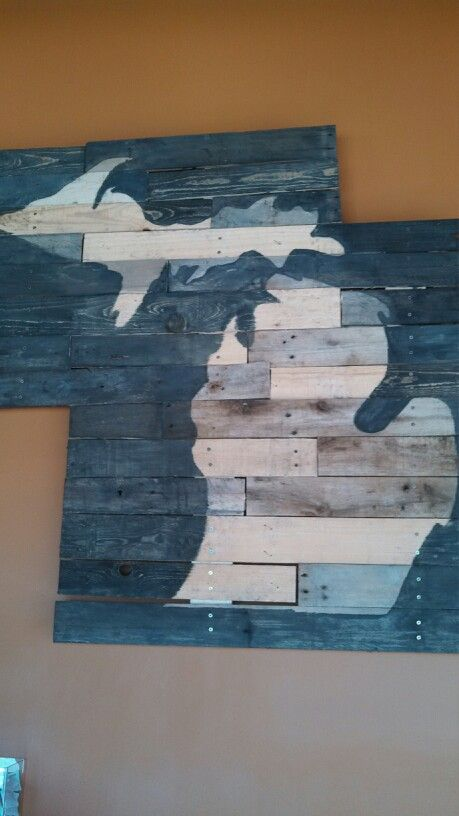 The Great State of Michigan: Pallet art at Great Lakes Chocolate and Coffee in Ann Arbor, made by the owner's husband.