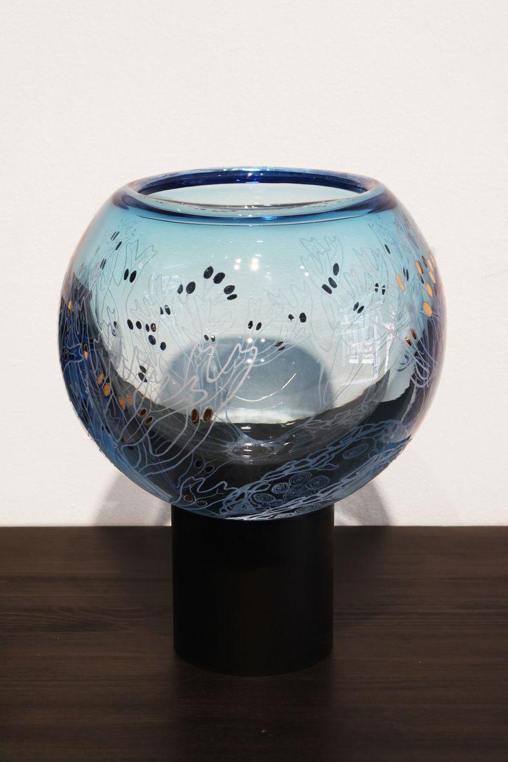 Unique mouthblown Keppuli artwork 3/2017 by Marja Hepo-aho. From the glass art exhibition organized by Autism Foundation of Finland: Ajatusten linnunrata - Keppulin tarina / The story of Keppuli. Galleria Mafka&Alakoski, spring 2017.