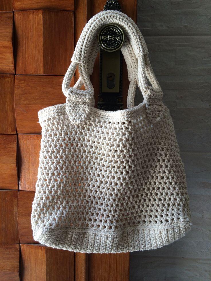 Bolsa de praia artesanal totalmente em crochê feita de ...