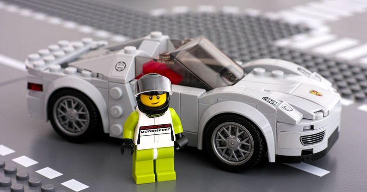 Lego cars are helping university physics students stay in school