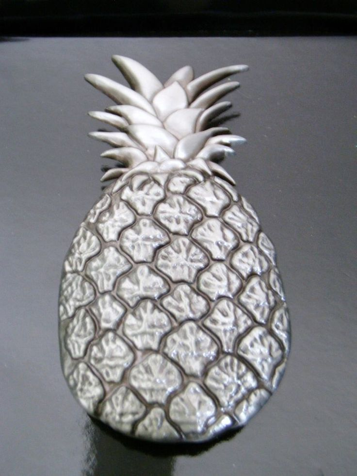 1000 images about all things pineapple on pinterest - Pineapple door knocker ...