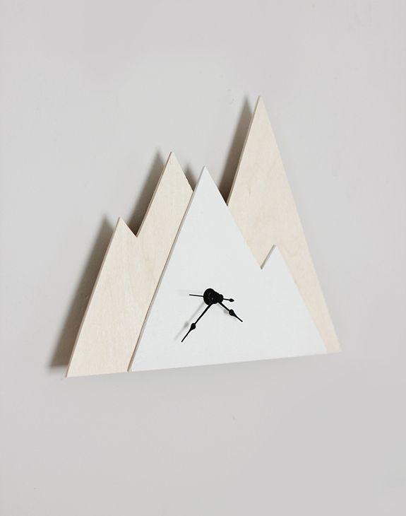 DIY minimal mountain clock