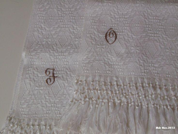 Mdr: Asciugamani con iniziali per una giovane coppia di sposi.