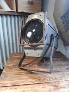 projecteur de spectable /cinéma rétro pour une touche industrielle décoration loft