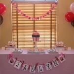 banner idea: Shower Ideas, Big Cupcakes, Cakes Tables, Parties Ideas, Cupcake Baby Showers, Cupcakes Baby Shower, Cassie Shower, Cupcakes Rosa-Choqu, Birthday Ideas