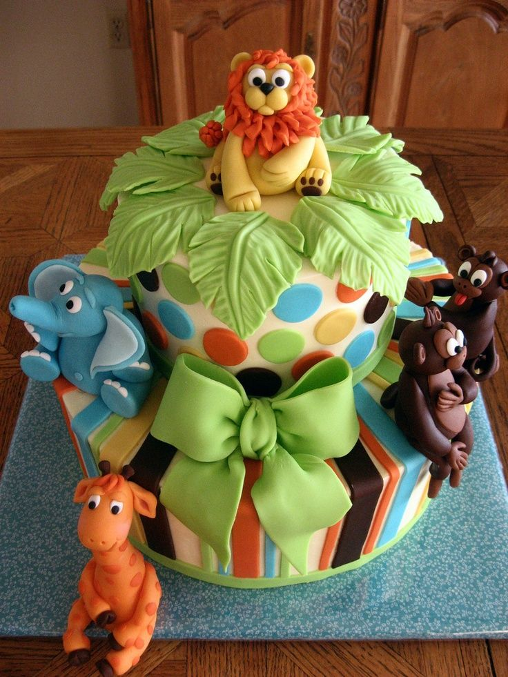 Safari animals cake