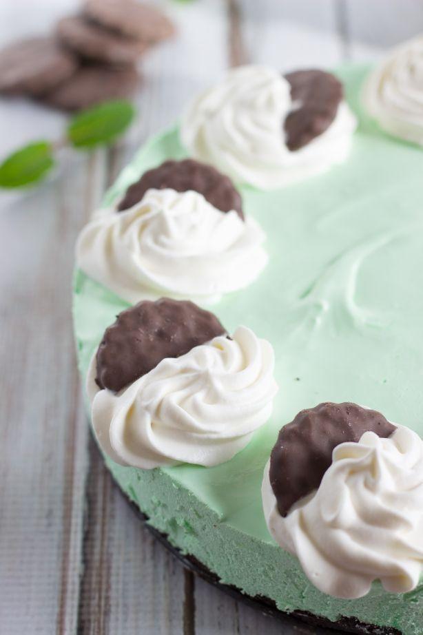 Frozen Thin Mint Cheesecake