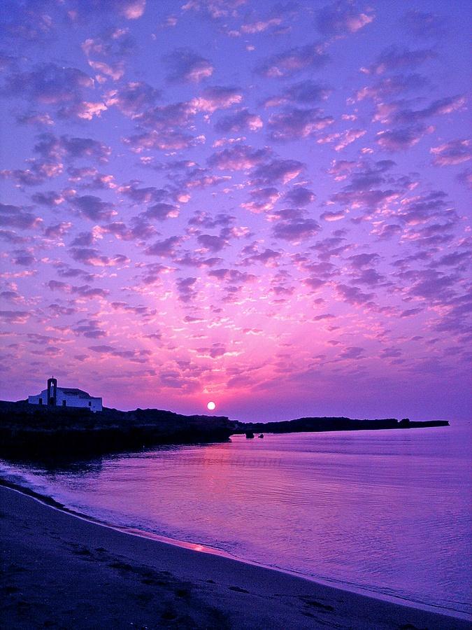 говорит, картинки фиолетовый закат над морем совмещающее
