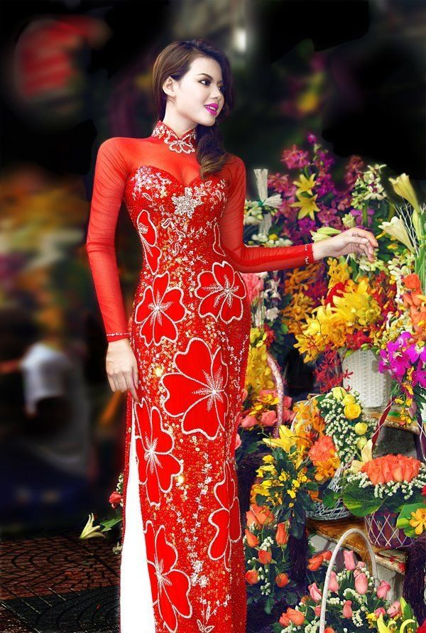 ao dai Traditional Vietnamese dress for reception of wedding. Swap white pants for gold to make it more traditional