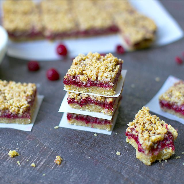 Three perfect layers of deliciousness that make for a yummy breakfast, snack or dessert! You'll love these Raspberry Crumb Bars that are full of nutrients and flavor. Paleo, Grain-Free, and Vegan, but no one will ever know! These bars are just pure magic. Nourishing your your tummies and making them so incredibly happy with three... Get the Recipe