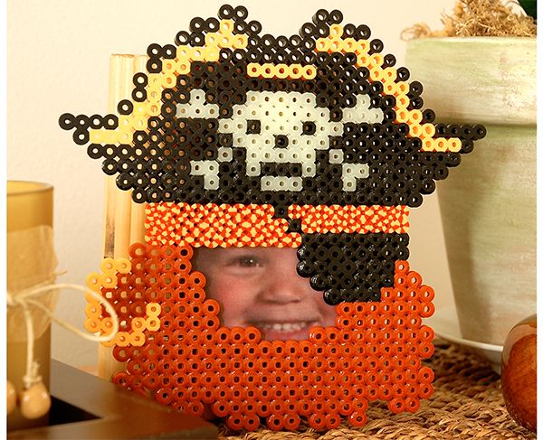 What a fearsome thing this pirate be! Arrrrghh! And what fun to create this Pirate Frame from Perler beads! You can even make it into a mask for Halloween with the addition of ties.