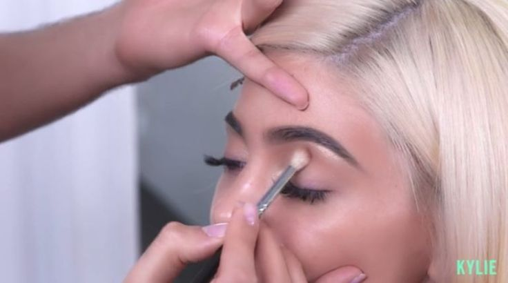 """Steal Kylie Jenner's Exact """"Burgundy"""" Palette Makeup Routine With This 8-Step Tutorial  - Seventeen.com"""