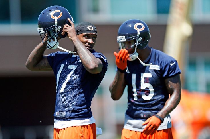 The Chicago Bears are in a serious injury bind with their offense, and it may have just gotten worse with updates on Brandon Marshall and Alshon Jeffery.