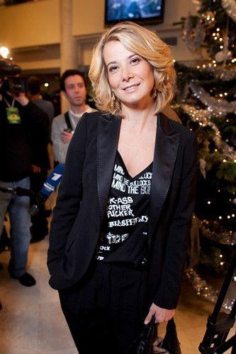Популярная актриса и телеведущая Юлия Высоцкая в своем интервью журналу «7 Дней» рассказала, как правильно питаться, чтобы всегда оставаться энергичной, стройной и красивой.