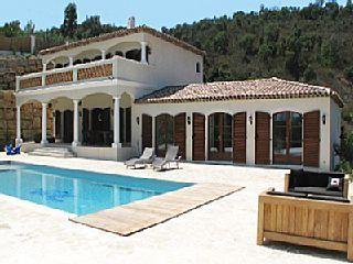 Location villa Ste Maxime  vue pas dingue déco moderne 5750€  done