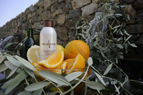 """""""Shampoo&Conditioner Group smallHere at The Amazing Blog , we are very passionate about beauty products that are natural and are made sustainably. Naturalmente is high end salon haircare brand with an extensive range of natural shampoos, conditioners and styling products, and the good news is they are now available for consumer purchase, so you can get salon quality hair at home.""""  To read the full feature please visit The Amazing Blog: http://amazingpr.co.uk/blog/?p=8757"""