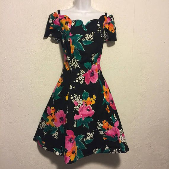 Excellent Vintage Byer Too 1980s/1990s Dress  Off-Shoulder