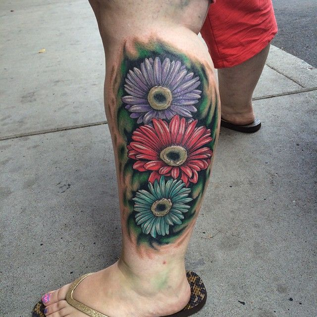 30 Nice Daisy Flower Tattoos