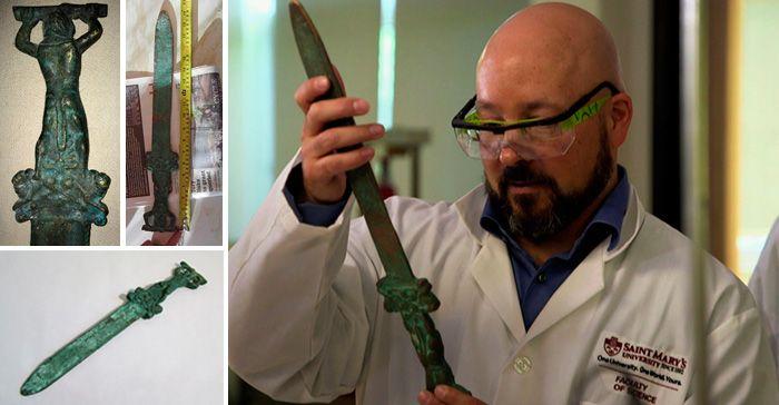 Descubren una espada Romana en América que data de más de mil años antes de la llegada de Colón...  El descubrimiento de laespada romana en la isla Oak cambia todo lo que se creía sobre la llegada de los europeos a estas tierras, desconocidas para ellos..