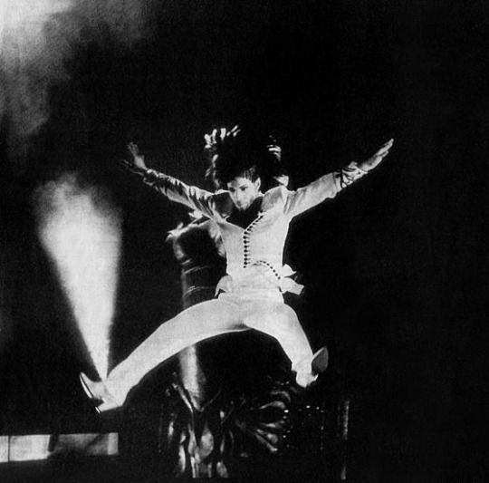 Since Prince's passing SO MANY new, unseen photos!!!! Post them here!!!