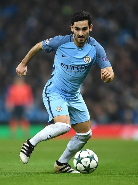 Ilkay Gundogan Photos - Ilkay Gundogan of Manchester City in action during the UEFA Champions League match between Manchester City FC and Celtic FC at Etihad Stadium on December 6, 2016 in Manchester, England. - Manchester City FC v Celtic FC - UEFA Champions League