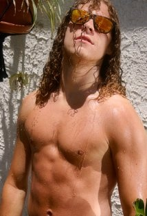 without the silly face and sunglasses. so totally love blake anderson. brains and funny and yummy