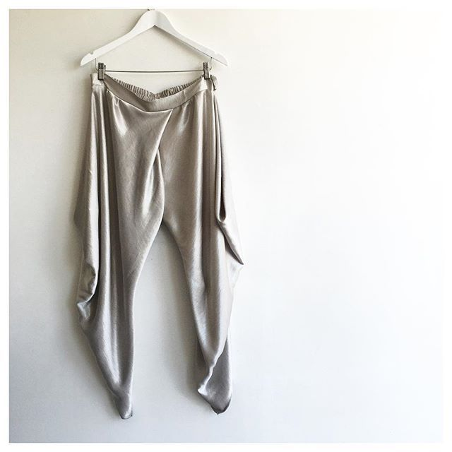 Midweek sparkle :: ETSU silver metallic. Available at the Lisa Brown Showroom on Saturday mornings and also at select stockists throughout Australia.  #lisabrowndesigns #lisabrown #etsu #silver #metallic #pant #boho #bohochic #summer #summerpant #ootd #outfitoftheday #lookoftheday #fashion #fashiongram #style #love #beautiful #currentlywearing #lookbook #wiwt #whatiwore #whatiworetoday #ootdshare  #todayimwearing #instastyle #instafashion #outfitpost #fashionpost #fashiondiaries