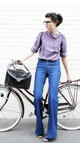 So Vintage. Love it! I want to have a picture like this next to my bike :)
