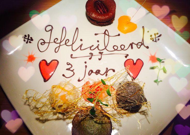 Romantisch uiteten? Hier een lijst met romantische, leuke, gave, bijzondere restaurants in Amsterdam ideaal voor een romantische date! Datenight Inspiratie.