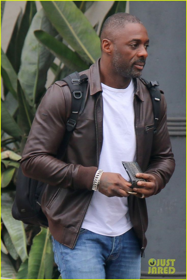 Idris elba flies to cape town for more work on dark tower