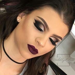 Oi amores tudo bem? Make diva né? Amo assim bem pretinha e batonzãoooo rsrs Beijo Grande e para quem quiser ver um pouco mais da minha rotina me acompanhem também no Snap Mipalmamakeup  _____  Hello babes, how are you doing? Stunning makeup, right? I love it, super black and super lipstick haha A huge kiss for those who want to see more of my daily routine, also on snapchat  Mipalmamakeup