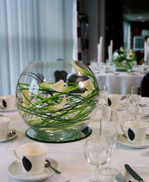 Una pecera con 4 flores aca por ser un centro precioso for Centros de mesa con peceras