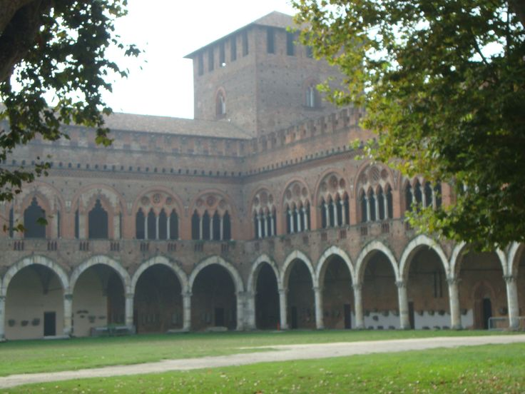 Pavia. Castillo Visconteo.