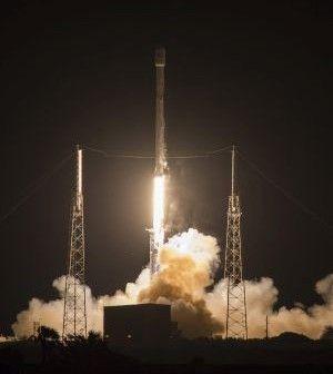 Η ΑΠΟΚΑΛΥΨΗ ΤΟΥ ΕΝΑΤΟΥ ΚΥΜΑΤΟΣ: Η SpaceX προσγειώνει πύραυλο στη θάλασσα για δεύτε...