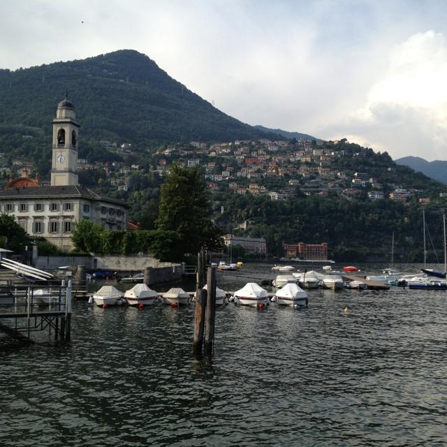 Maar dan ben je in een heel mooi plaatsje waar de jetset zich oa begeeft, blijkt ....( ik ook maar niet in grand hotel villa d'este)
