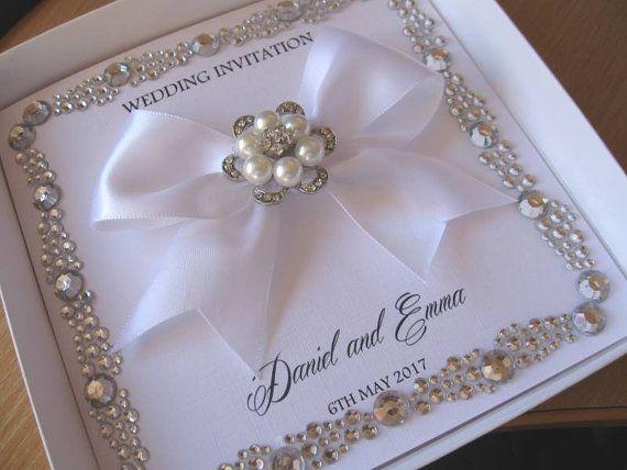 Invitación de boda de lujo con frontera de gema de Diamante &