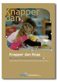 In Knapper dan Knap vindt u ook: - bewegingsspelletjes voor peuters en kleuters - suggesties voor de speelleeromgeving en de speelwerkplekken  - ideeën voor de groepsorganisatie en vrblden voor het voorbereiden van een thema.