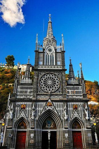 コロンビア ラスラハス教会はスペインの植民地だった名残を示す建物でもある
