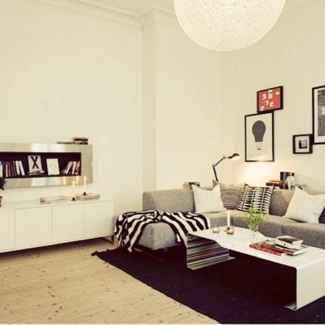 モノトーンスタイルは色の割合がポイント♪白黒グレーで作るリビング | RoomClipMag | 暮らしとインテリアのwebマガジン