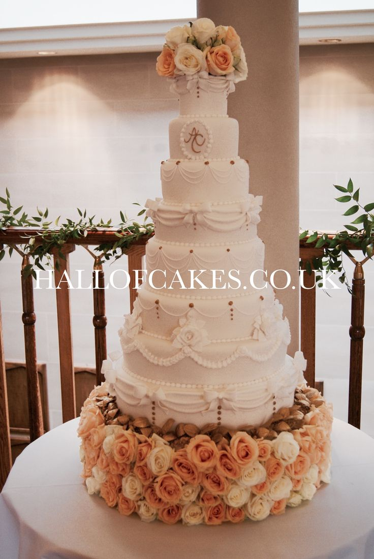 using top tier of wedding cake for christening best 25 wedding cakes ideas on 21515