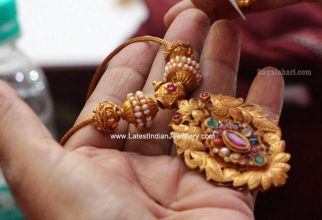 Light Weight Navarathan Necklace