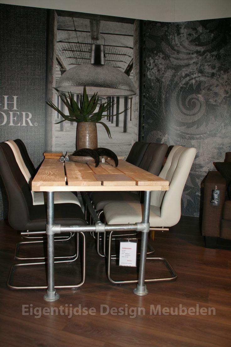 17 best images about steigerbuis binnen meubels on pinterest serendipity bureaus and tes - Eigentijdse eettafel ...