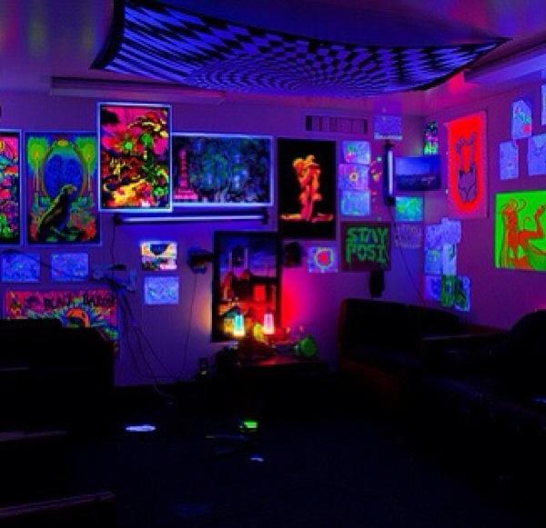 Black Light Bedroom: 23 Best GLOW IN THE DARK ROOMS Images On Pinterest